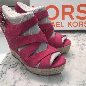 101d65c13a4 MICHAEL Michael Kors Shoes - KORS Michael Kors Pink Suede Platform Sandals  Sz7